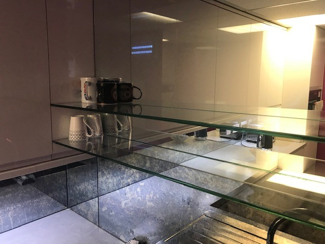 UV Bonding glass shelves - Osborn Glass